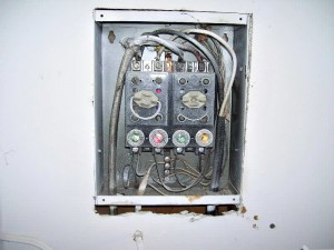 fuse box 300x225 are you worried that the home you're buying with screw in fuses 60 amp fuse box wiring at gsmx.co